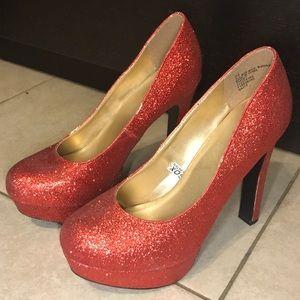 NWOT Mossimo Glittery Heels